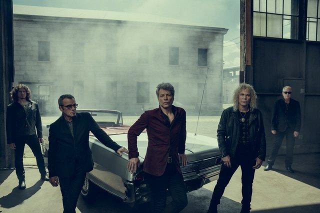 THINFS_Bon Jovi full band_creditNormanJeanRoy.jpg