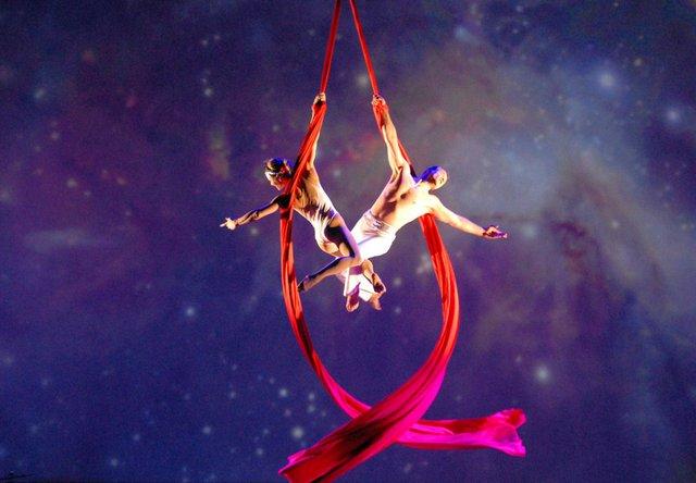 CirquedelaSymphony_Alexander Streltsov & Christine Van Loo - Aerial Duo.jpg