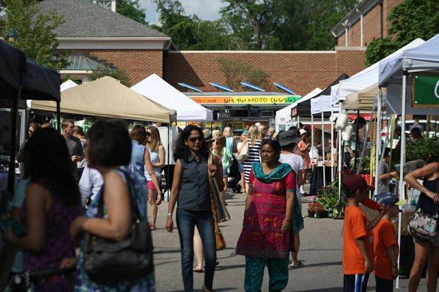 market scene 1-1.jpg