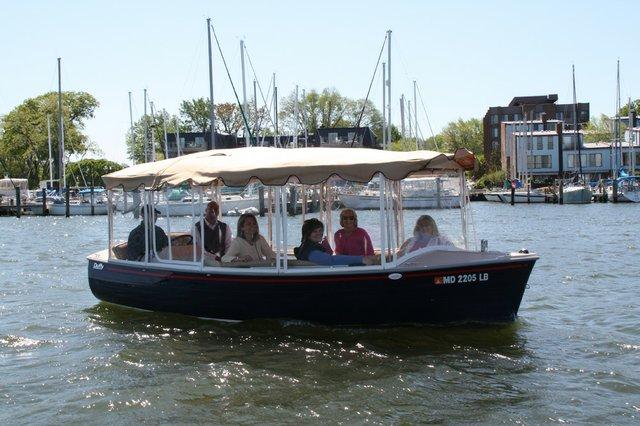 Electric_Boat_on_Spa_Creek.jpg.jpg