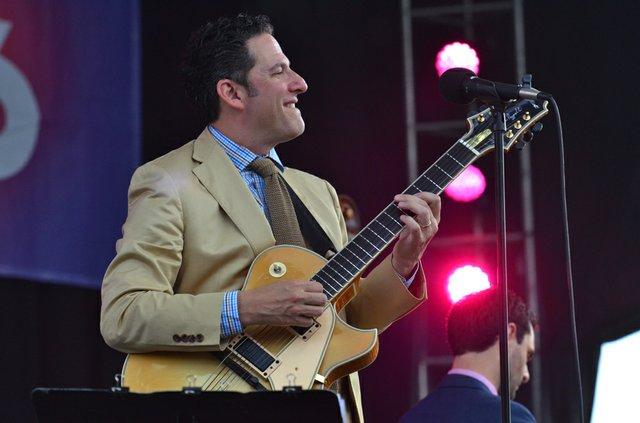 John Pizzarelli performance 2015 Photo by Randal L. Schieber.JPG