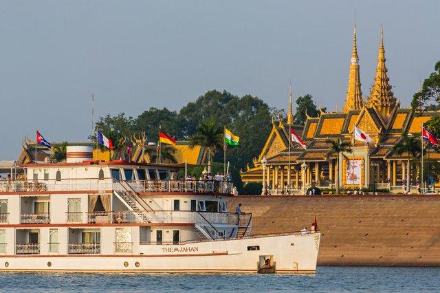 Phnom Penh, Tonle Sap River, Cambodia