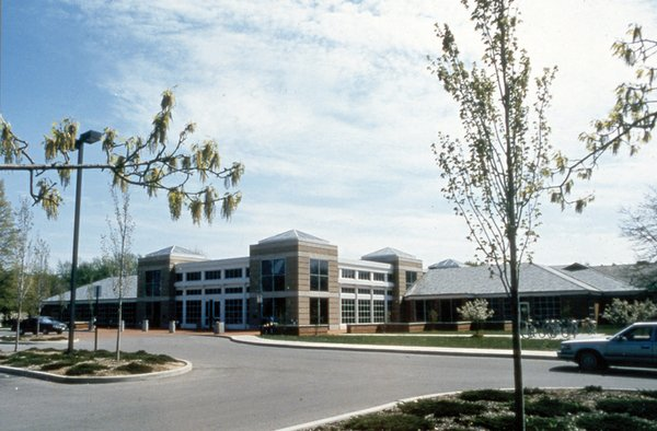 Main Library after 1986 expansion.jpg