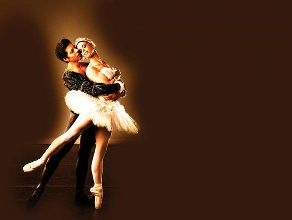 Swan Lake avec Andres & Bethany - BalletMet.jpg