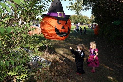 2017-halloween-spooktacular_37763178626_o.new.jpg