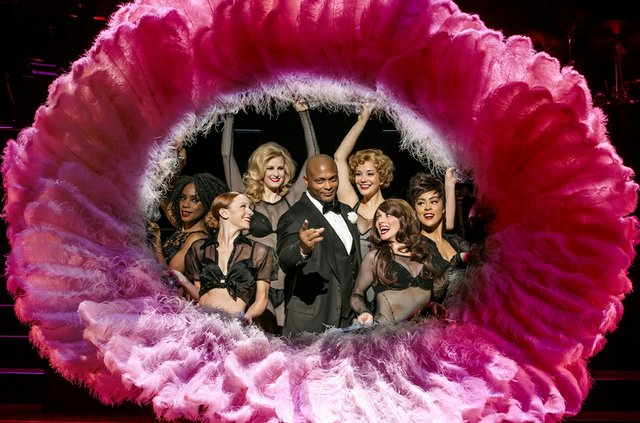 Eddie George as Billy Flynn with the Ladies Ensemble credit Jeremy Daniel.jpg