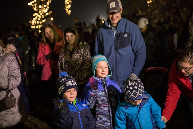 2017-christmas-tree-lighting_26993726579_o.jpg
