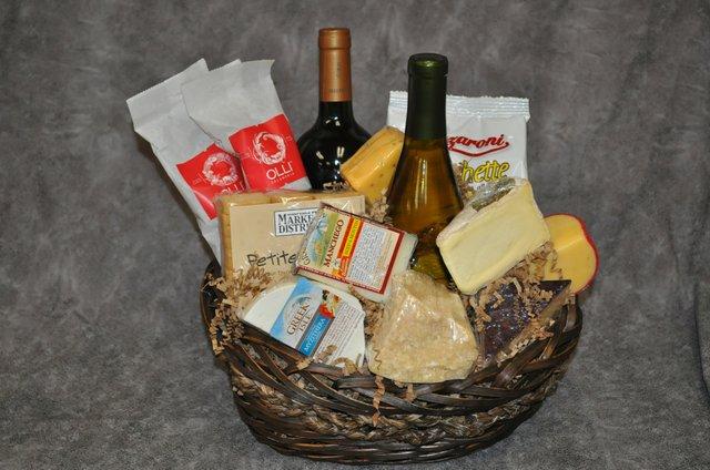Globetrotting Gift Baskets