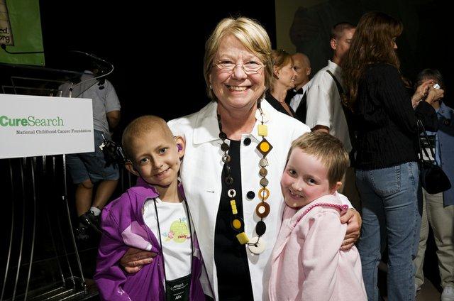 Deborah Pryce and girls.jpg