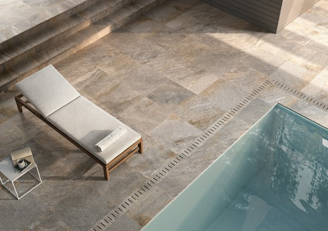 Frontier20 Silver Quartz Pool Close Up.jpg