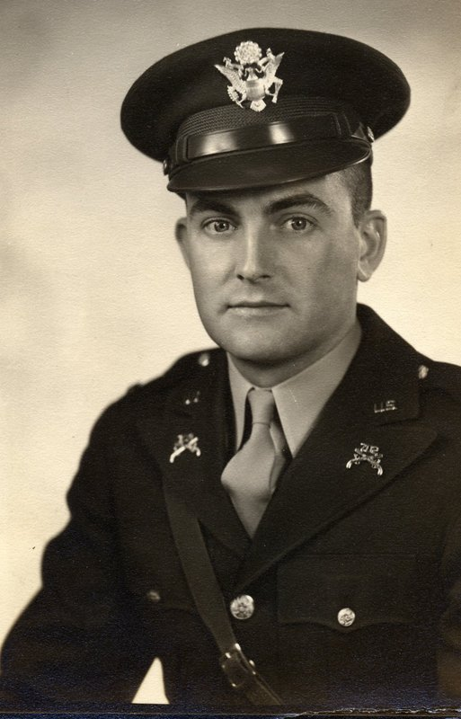1941 2nd Lt US Army Military Police (002).jpg