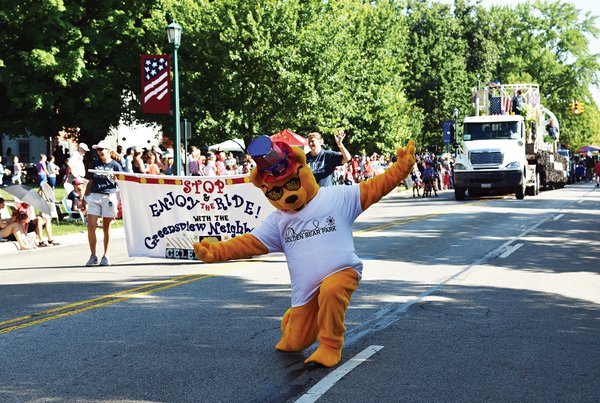 4thofJuly Parade (2)- Photo Credit Kaytlyn Rowen.jpg