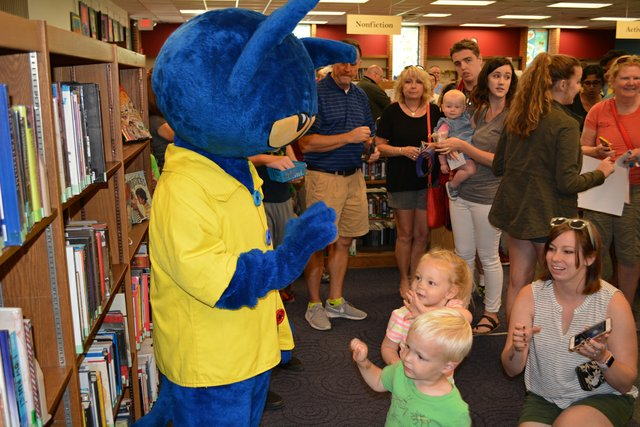 young patrons meeting Pete the Cat on July 7. Photo courtesy Upper Arlington Library.jpg