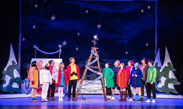 RESIZED 01 A Charlie Brown Christmas Live on Stage_credit_CourtesyGramercy.jpg
