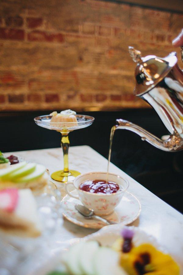 _tea upclose pouring (1) (002).jpg