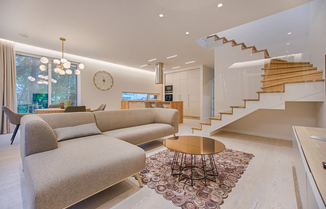 apartment-ceiling-chairs-1571460.jpg