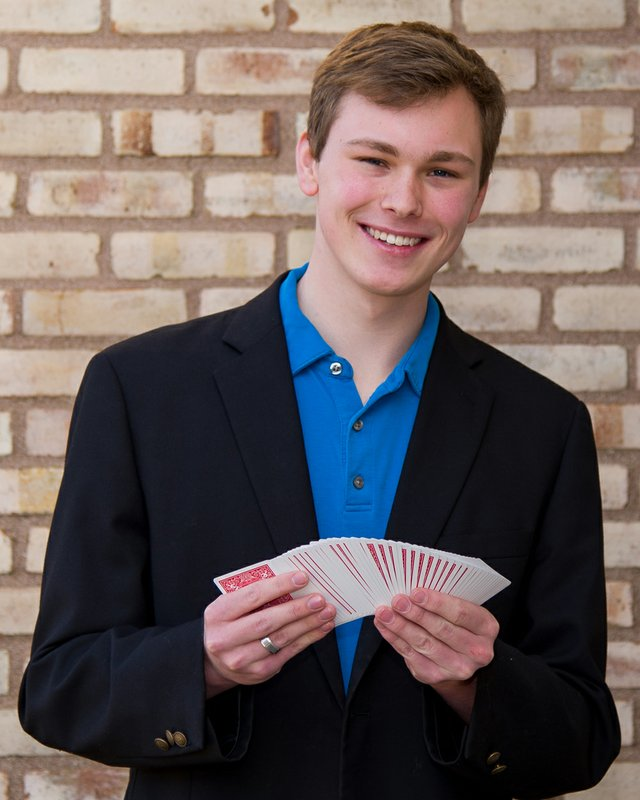Jake Lundgren Magician Photo by Mark Layman (002).jpg