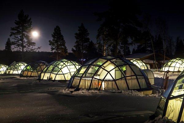 Kakslauttanen Glass Igloos 1 - courtesy Kakslauttanen Arctic Resort, Lapland, Finland.jpg