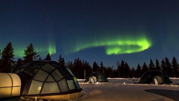 Kakslauttanen Glass Igloos and the Northern Lights 1 - courtesy Kakslauttanen Arctic Resort, Lap.jpg