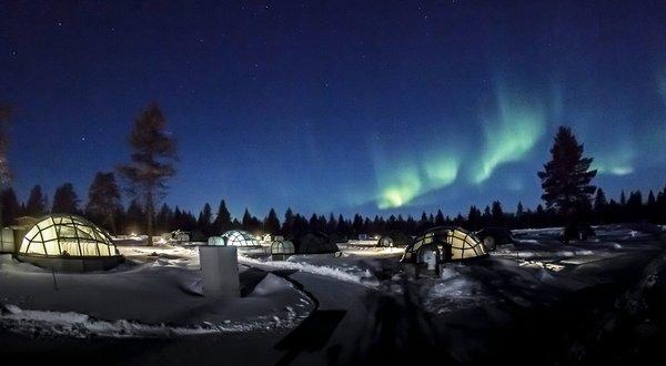 Kakslauttanen Glass Igloos and the Northern Lights 2 - courtesy Kakslauttanen Arctic Resort, Lap.jpg