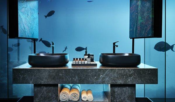 THE MURAKA_HERO_Undersea Bathroom_Architecture_Credit Justin Nicholas.jpg