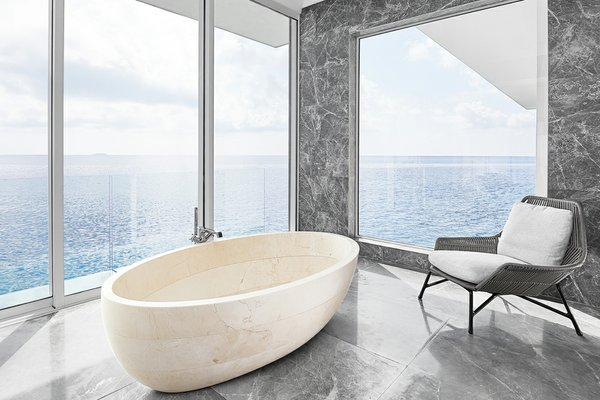 THE MURAKA_HERO_Overwater Master Bathroom_bathtub_Credit Justin Nicholas.jpg