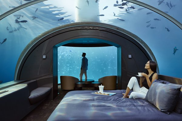 THE MURAKA_Undersea Bedroom_Talent_Couple_Daytime_Credit Justin Nicholas.jpg