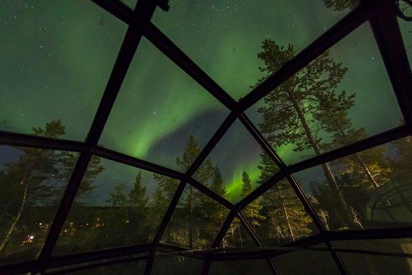 glass igloo kakslauttanen autumn - courtesy Kakslauttanen Arctic Resort, Lapland, Finland.JPG