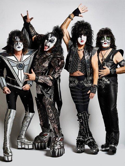 Kiss_JR - photo credit Jen Rosenstein.jpg