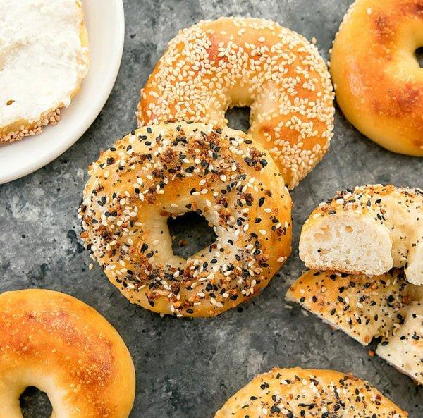 2-ingredient-bagels-14a1-700x692.jpg