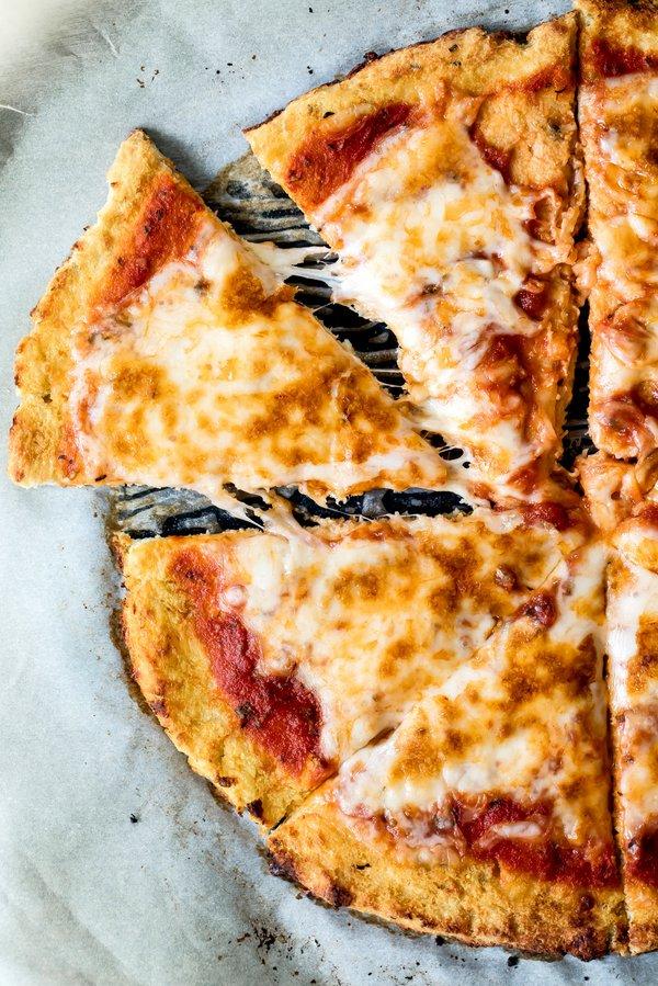cauliflowerpizza-11.jpg
