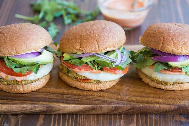 Quinoa-Veggie-Burger-2.jpg