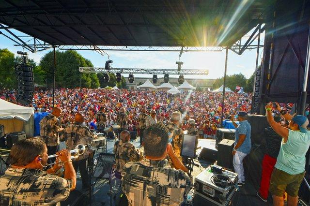 Festival Latino_credit_Randall L Schieber.jpg
