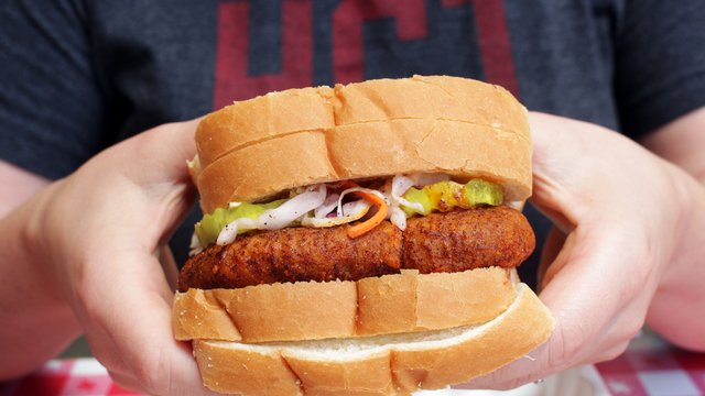 hot-chicken-not-chicken-sandwich_1200xx2000-1125-0-104.png