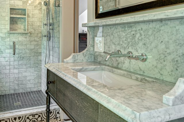 Bluff Bathroom-w-1.jpg
