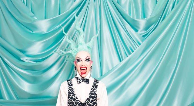 Sasha Velour's Smoke&Mirrors_credit_TannerJordanAbel.jpg