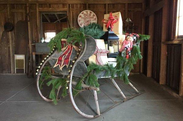 coffman-homestead-christmas1_8d599654-5056-a36a-0766847f0cf9e715.jpg