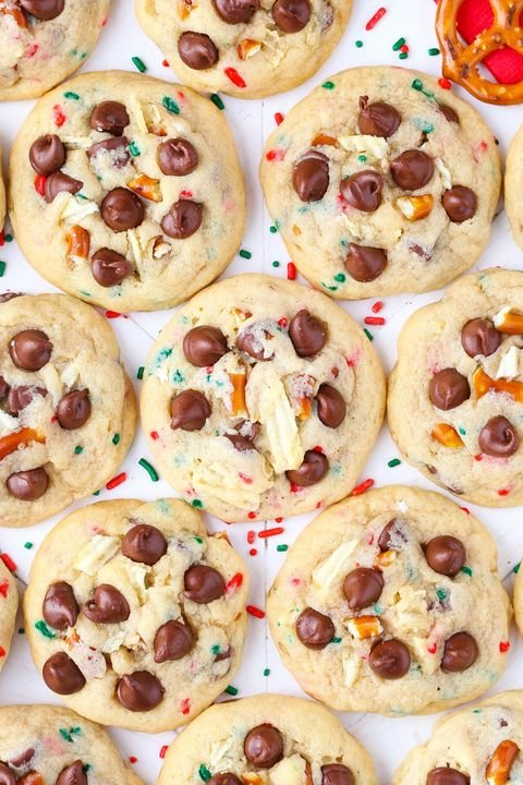 gallery-1480629482-santa-snack-attack-cookies2-lr006b.jpg