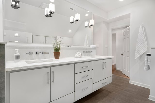 guest bathroom addition_upper arlington oh_the cleary company remodel design build (4).jpg