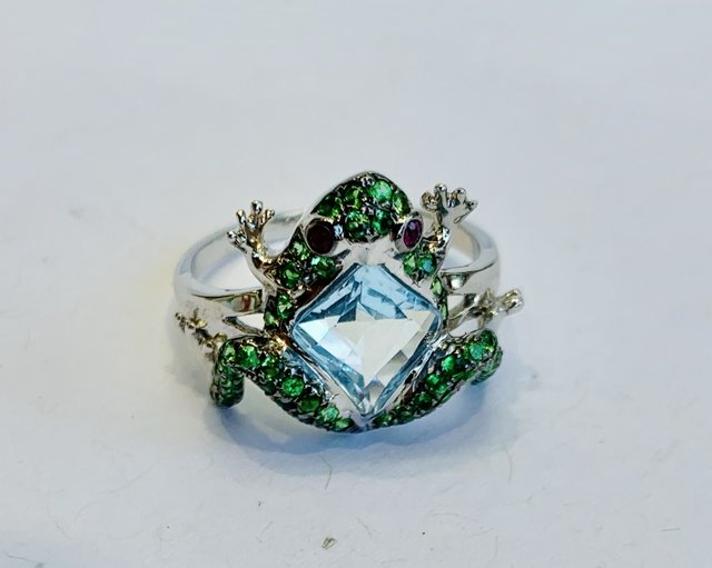Style - Frog Ring.jpg