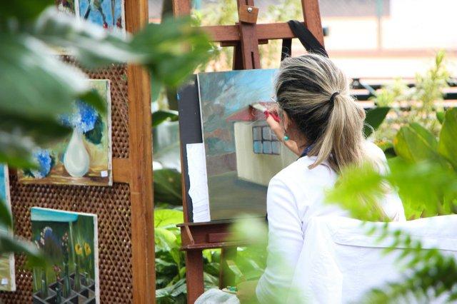 adult-art-artist-canvass-542555.jpg