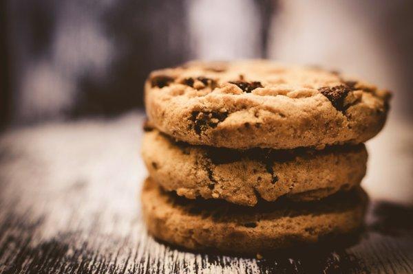 macro-photography-of-pile-of-3-cookie-230325.jpg