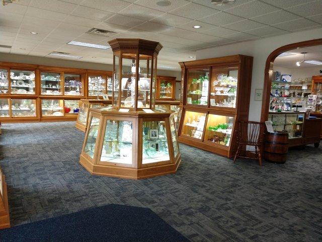 Heisey Glass Museum inside