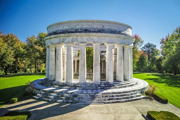 Harding Tomb, exterior.jpg