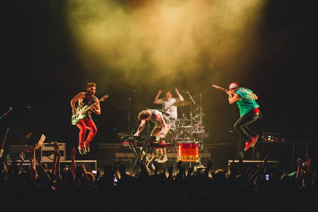 walkthemoon-2.jpg