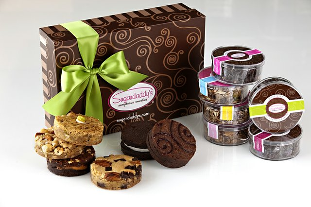Signature Box with Brownies (2).jpg