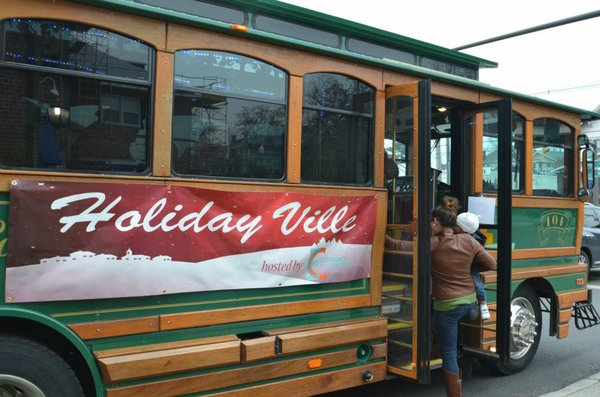 holidayville trolley.jpg