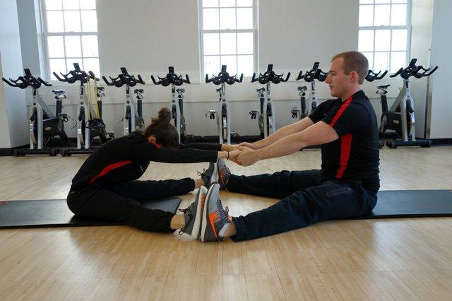 10 - v-sit stretch.jpg