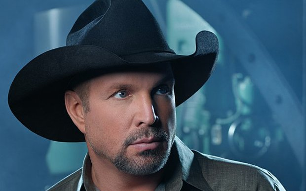 Garth_Brooks_3105796b.jpg