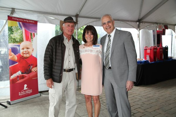 Jack Hanna with Lisa and David.jpg